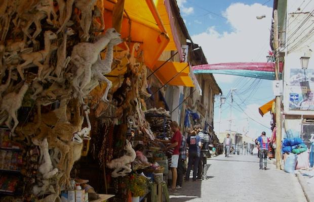 mercado das bruxas la paz bolivia