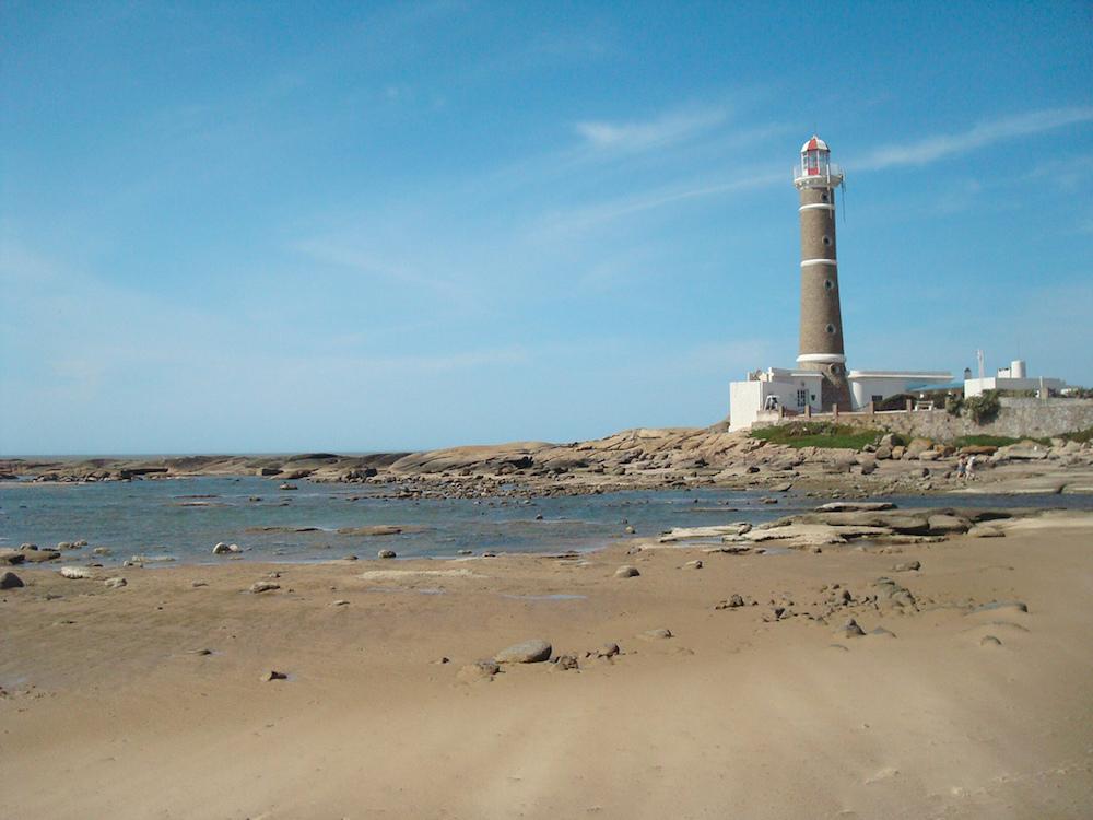 Farol na praia de Jose Ignacio   Foto de Jota Galeano
