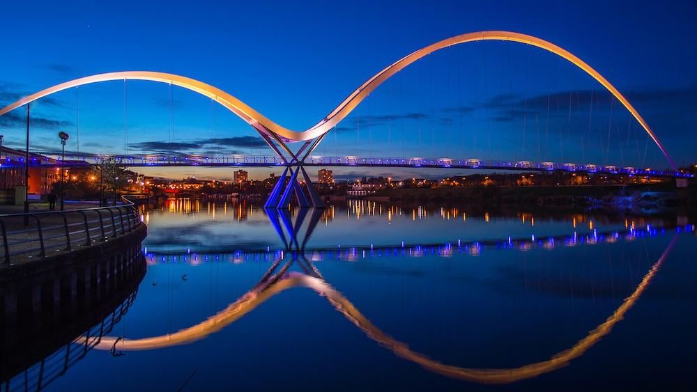 ponte infinito stockton inglaterra