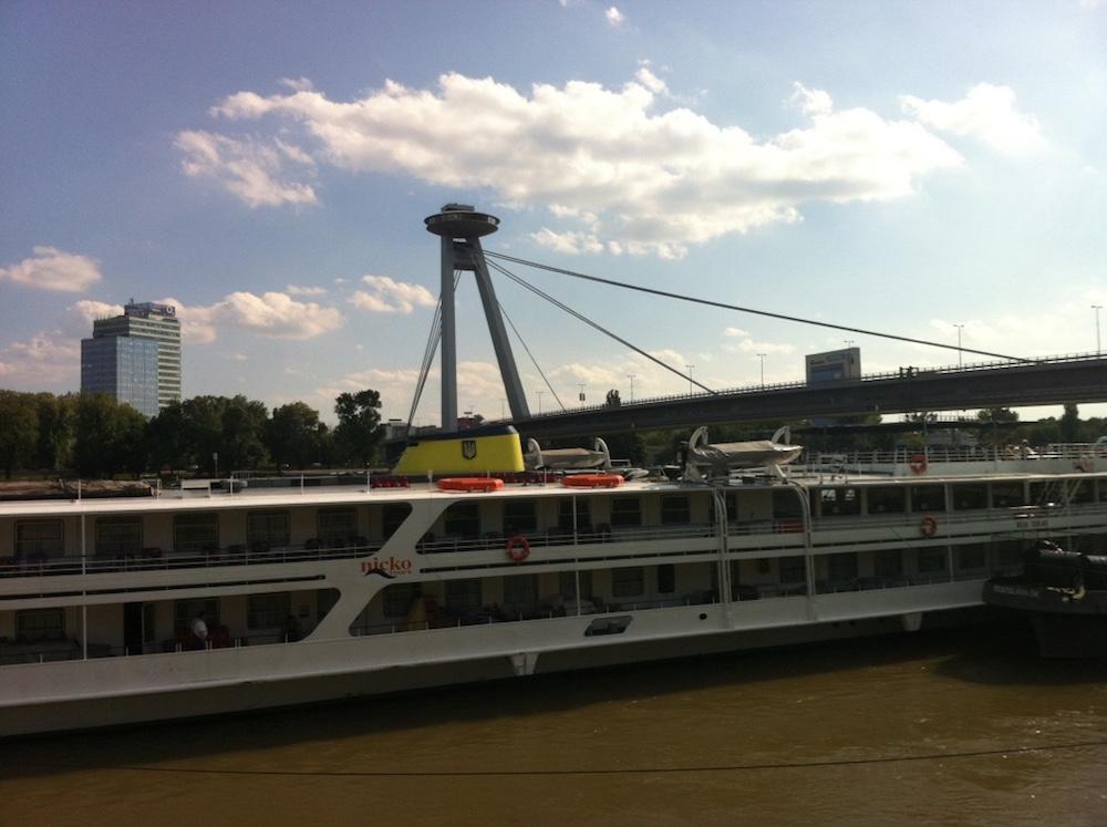bratislava barco viena danubio