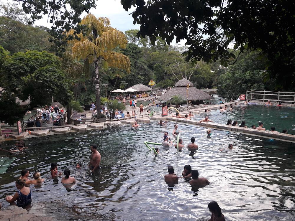 piscina hotel pousada do rio quente